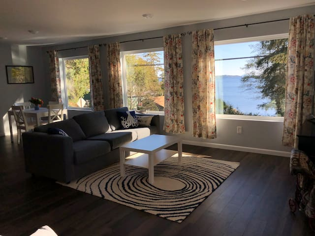 Mountain Point of View - brand new apartment