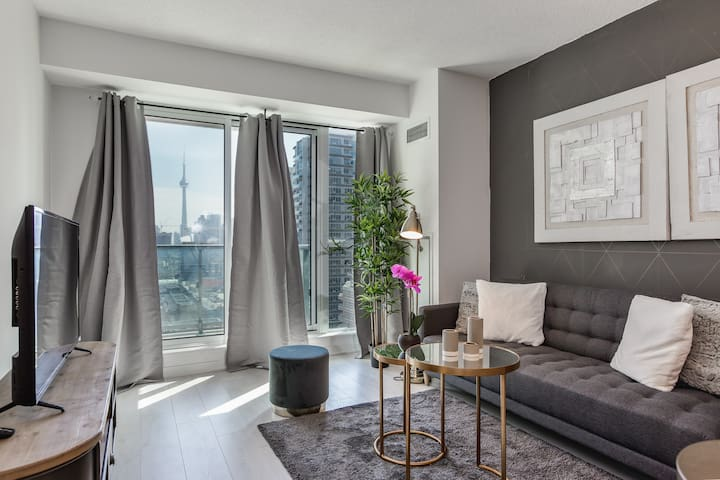 Luxury Condo in Enchanting Downtown Neighborhood