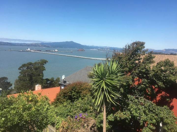 Unique & Private Unit with Panoramic SF Bay Views