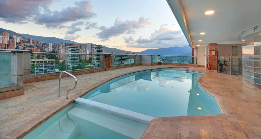 Best and Safest Location, Rooftop Pool/Gym