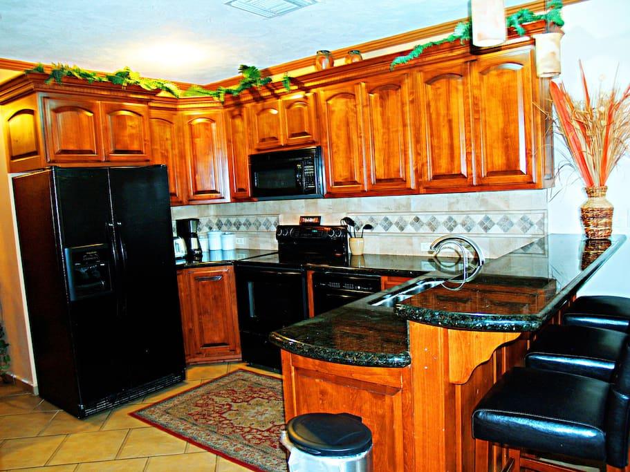 Kitchen appliances and utensi