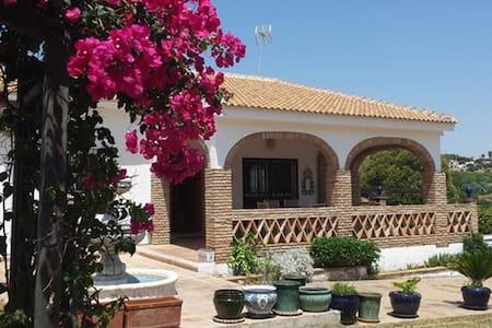 Villa La Encantada - Beautiful tranquil villa - Alhaurín de la Torre - 別荘