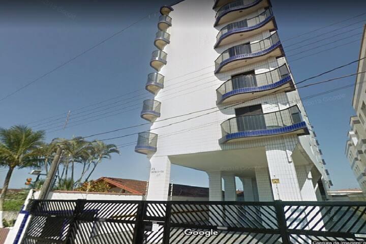 Ótimo apartamento em Mongaguá 100 metros da praia