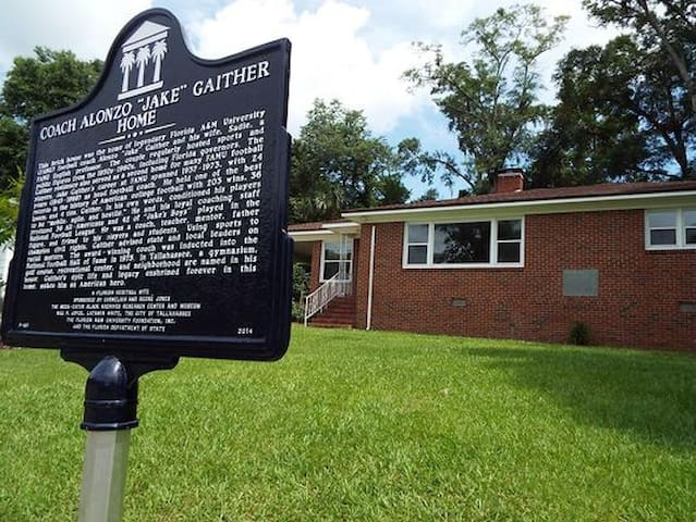 Historical Jake Gaither House