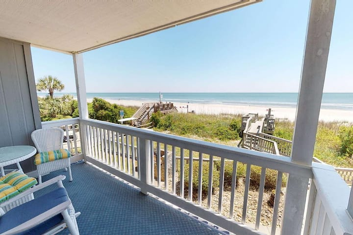 Freshly Renovated Oceanfront 1st floor Unit - Free Water Park, Aquarium, Golf & More Every Day! SWI