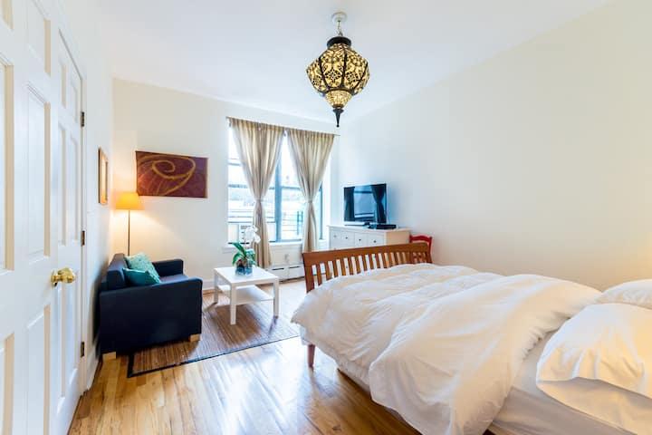 Beautiful 2 bedroom private suite
