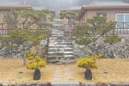운악산힐링캠프 - Gyeonggi-do - Natur-Lodge