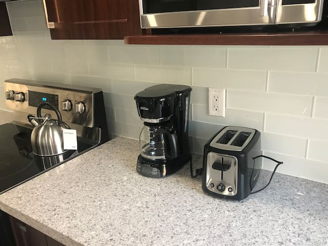 Kitchen Appliances available for all your cooking needs.