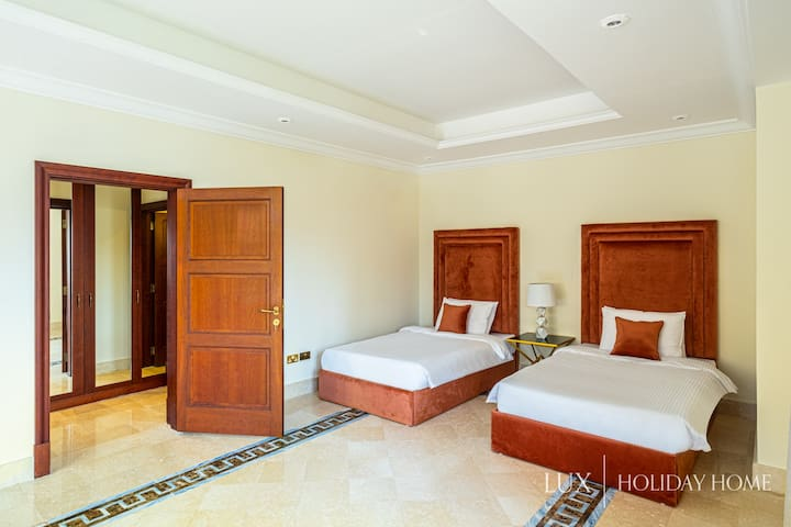 LUX | Downstairs Bedroom
