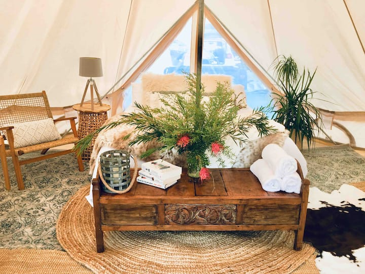 """Ultimate Luxe"" package by Bonnie Belle Tents"
