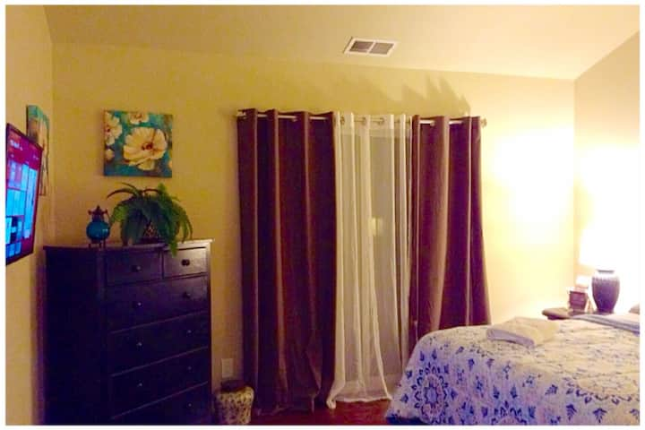 Merlot Bay, near Napa & 6 flags (THE TUSCAN SUITE)