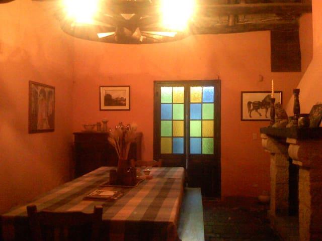 Casa de Hacienda del siglo XIX. - Tilata - Villa