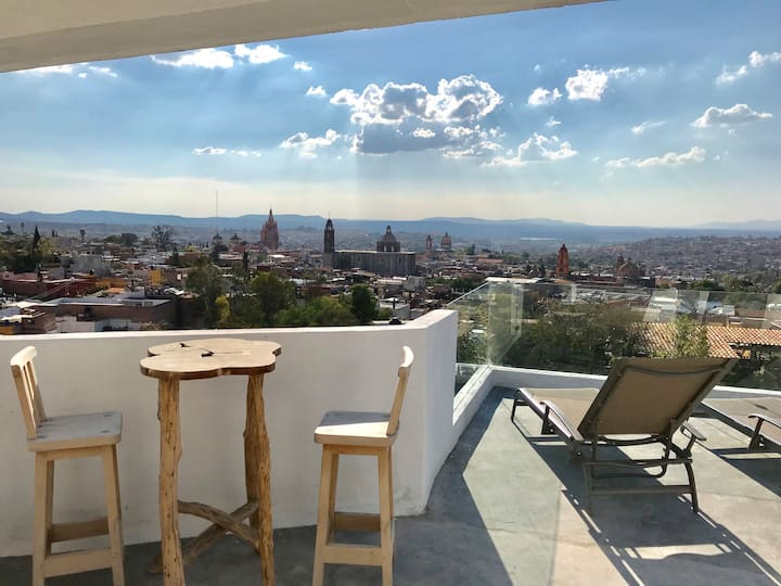 Fast wifi, privacy, views over Historic Center