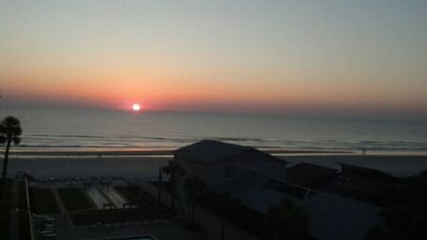 1/1 Ocean View Adorable Condo - New Smyrna Beach - Apartamento