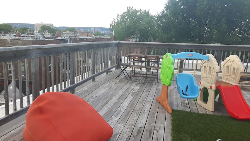 AMAZING - Private rooftop 350ft - close downtown - Montreal - Apartamento