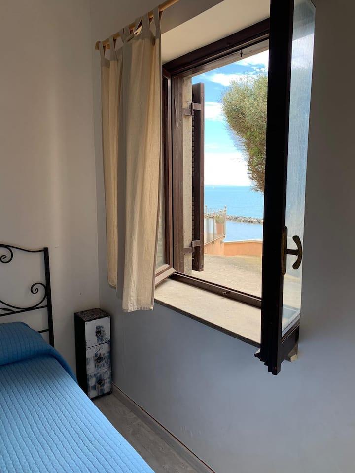 Casa con scesa a mare privata tra Anzio e Nettuno