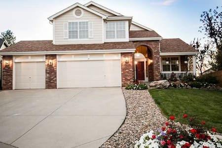 Highlands Ranch Hideaway - Quiet 2 Bedroom Home - Highlands Ranch