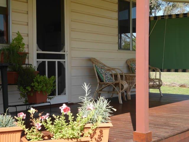 Belubula Cottage, Canowindra - Canowindra - Cabin