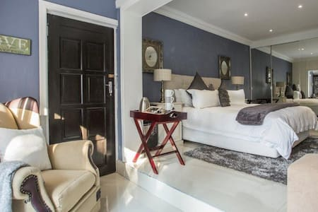 Meraki Guest Lodge-True South African Hospitality
