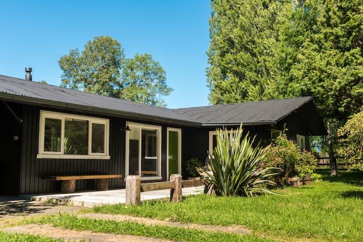 Casa en medio del campo, ideal para el descanso.