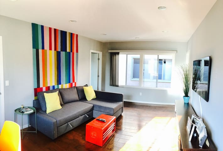 Prime Silver Lake Hilltop, Sunny 2 Beds on Sunset - Los Angeles - Appartement
