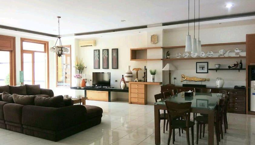 GK Gallery Rumah Sewa, The Villa