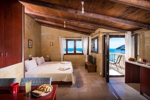 Квартира с видом на море,в шаге от песчаного пляжа Панормо! 3