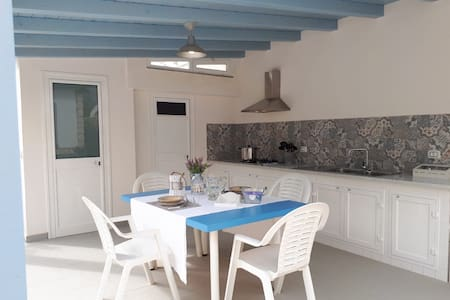 Erika's house a 200 mt dal mare