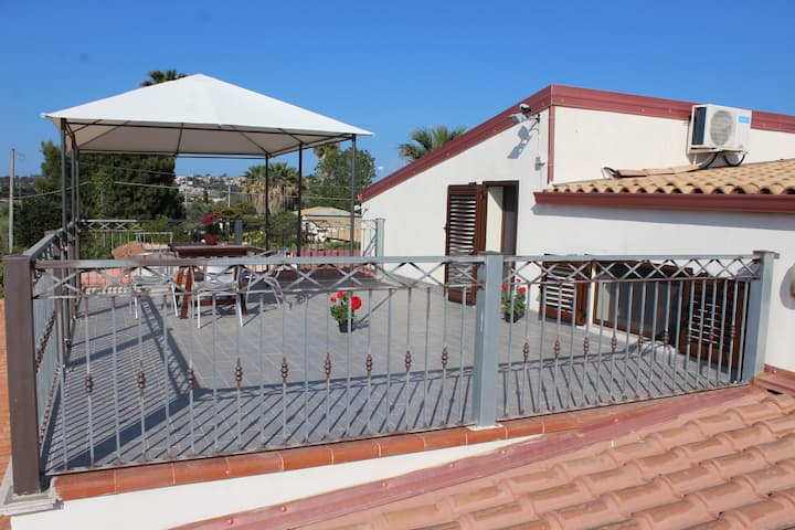 Villa Oasi terrauzza