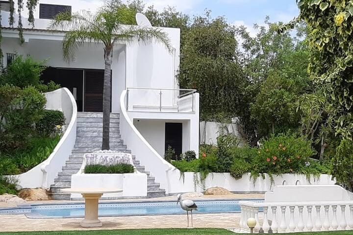 Villa avec piscine pour des vacances de rêve