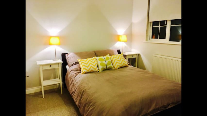 Newly decorated comfy double room - Stockton-on-Tees - บ้าน