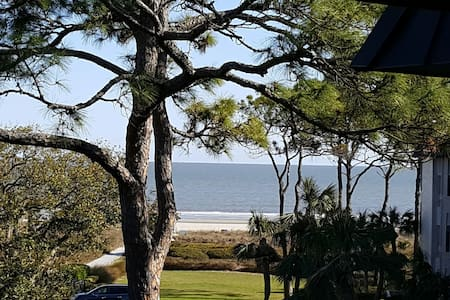 Oceanview Seaside Villa, Steps to the Beach - Hilton Head Island - Villa