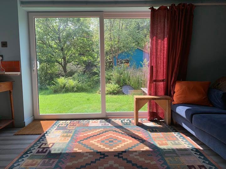 Recently renovated spacious studio apartment