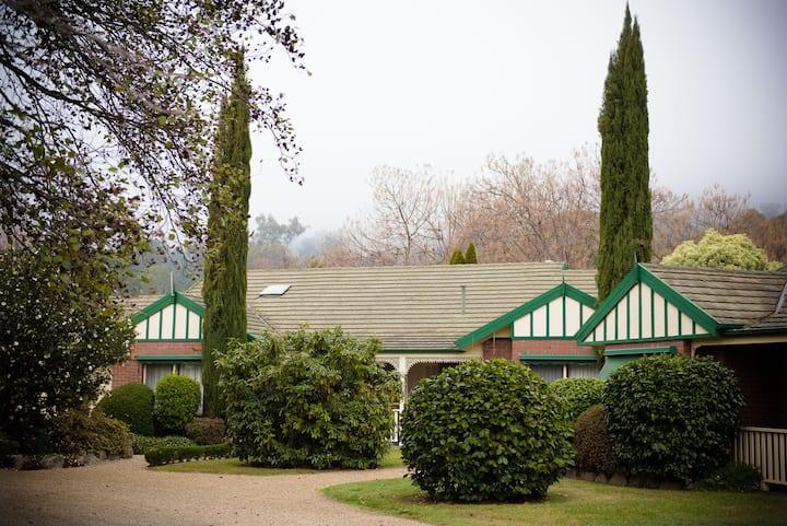 The Birch House - Silver Birches Luxury Bright