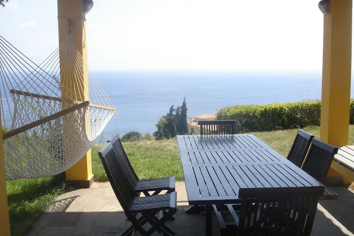 Villa Balcony, near the beach - Κύμη - Villa