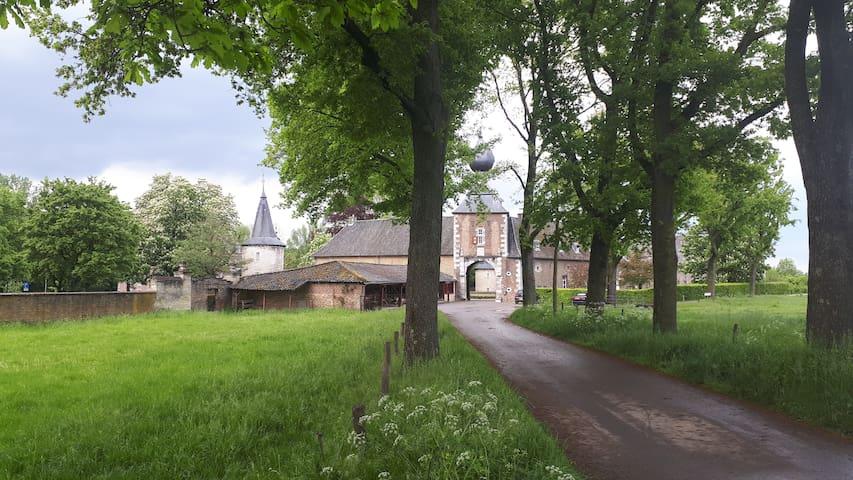Genieten in kasteelhoeve in Zuid Limburg.
