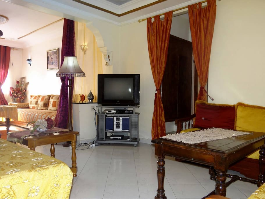Bel appartement meubl casa appartements en r sidence for Appartement meuble a louer a casablanca