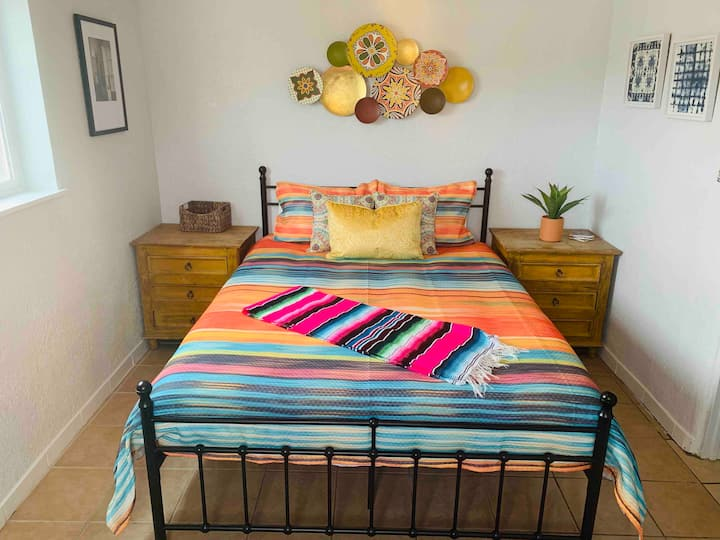 Lovely 3 BR, 1 Bath, Near Old Town & Dwntwn ABQ