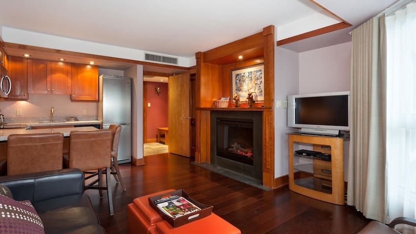 Ski-in/out Luxe 1-bedroom Slope-side condo