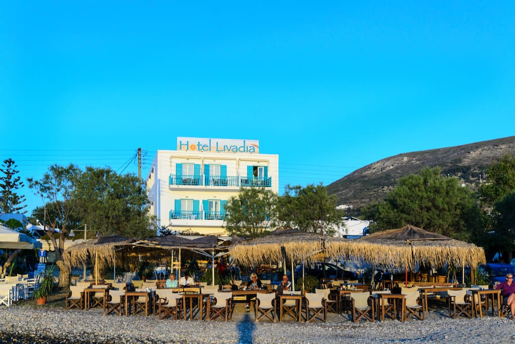 Hotel livadia by the beach boutique hotels for rent for Boutique hotel paros