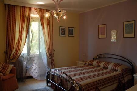 Camera Matrimoniale B&B Fra e Fe - Provincia di Oristano