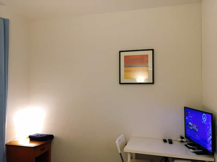 Private bedroom TV&A.C