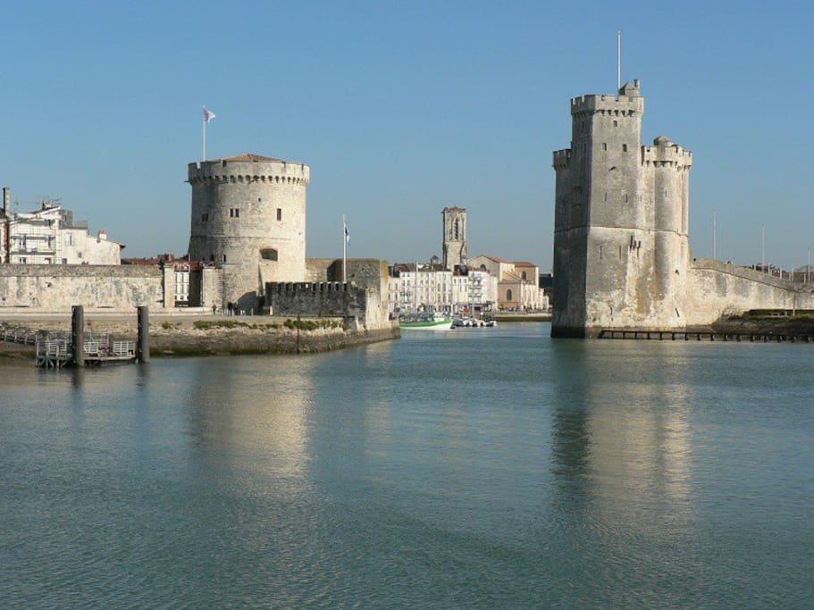 Port de La Rochelle à 5 min en voiture