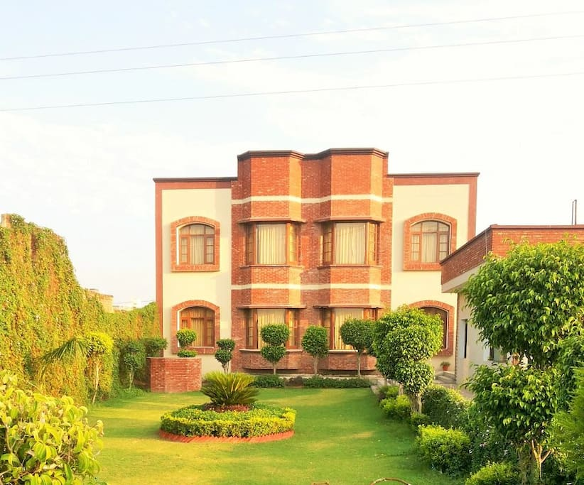 beautiful green accommodation amritsar