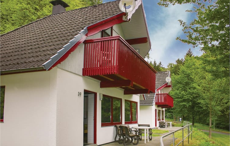 Holiday cottage with 3 bedrooms on 75 m² DHE172