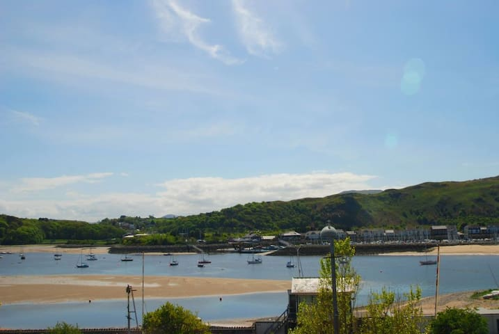 No. 69 | Great Escapes Wales - Deganwy, - House