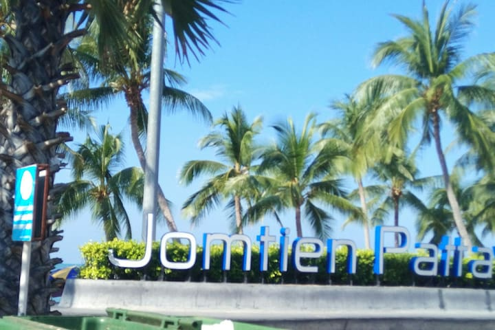 JOMTIEN 130m away cheap small room w balcony  .9