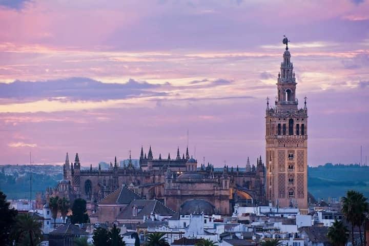 Sevilla bella, a solo 15 minutos de La Giralda.