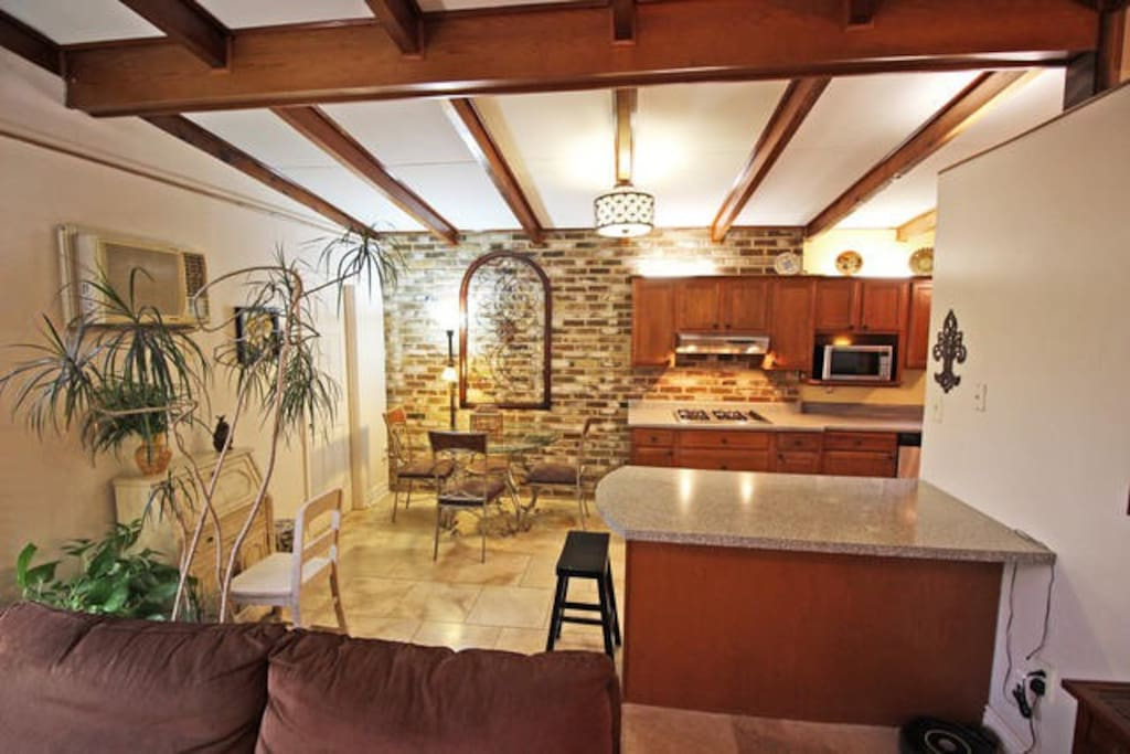 """""""The location is very convenient as there are plenty of great restaurants and supermarkets within walking distance from the house."""" Jonathan 
