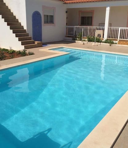Apartamento com piscina - Ferreiras - Apartament